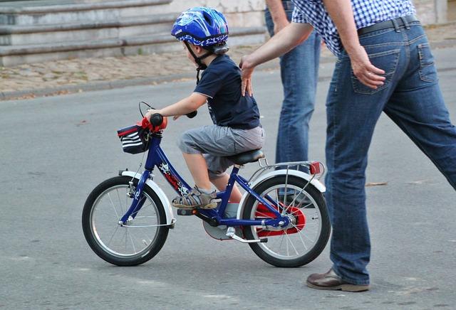 fahrrad-fahren-lernen-kind
